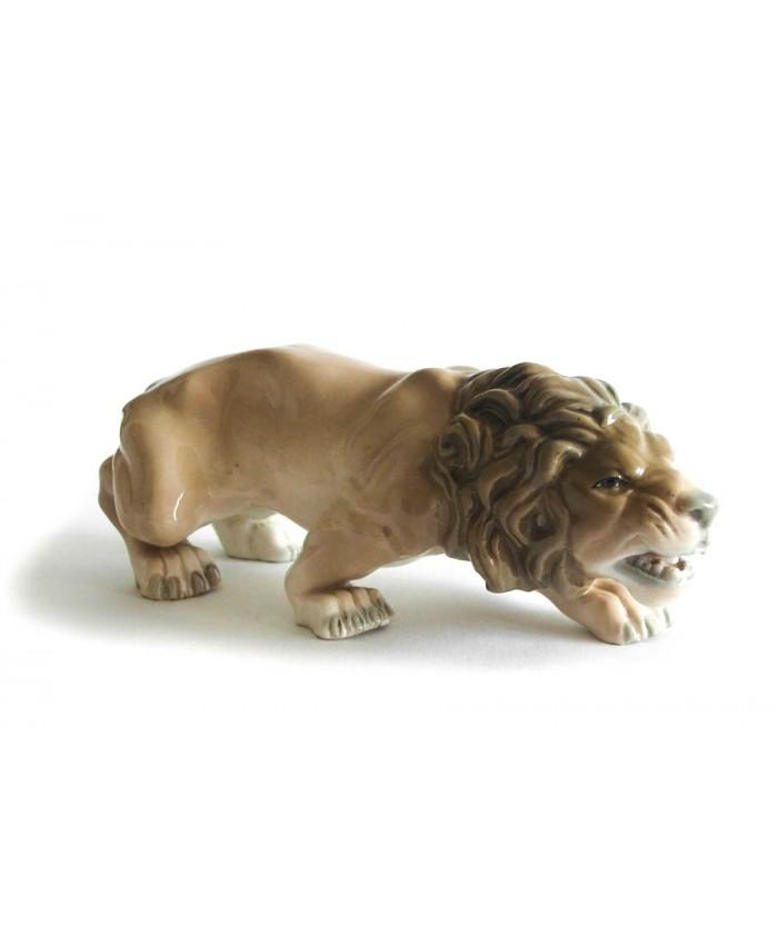 Útočící lev Amphora